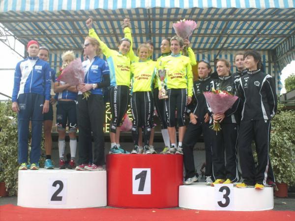 podium équipe.jpg