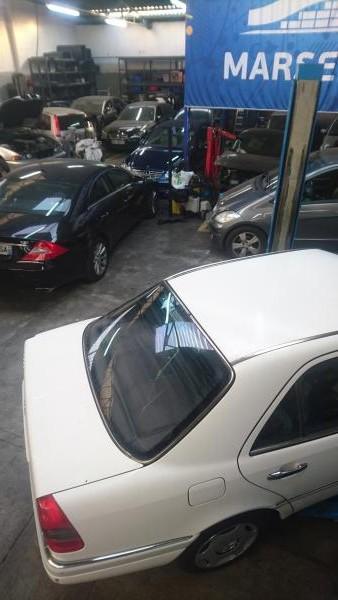 garage_mercedes_c220.jpg