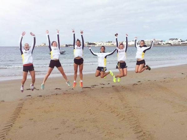 Les filles sur la plage de QUIBERON