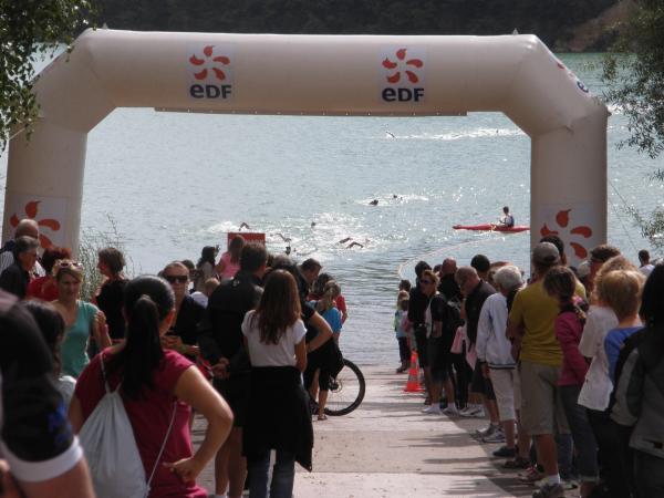 La sortie natation du triathlon de VOUGLANS
