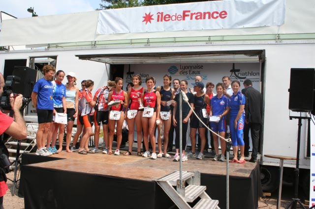 podium fille tri paris