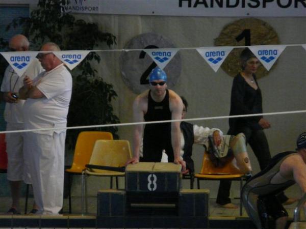Avant le départ du 100 m NL