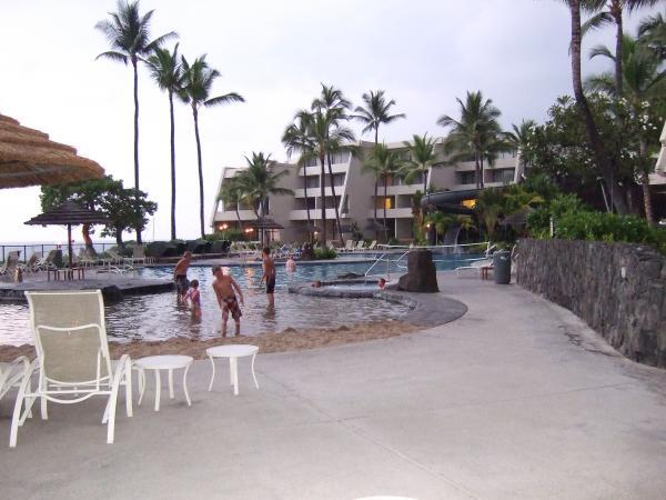 La piscine du Sheraton... la plage étant c'est vrai à 50m trop dur