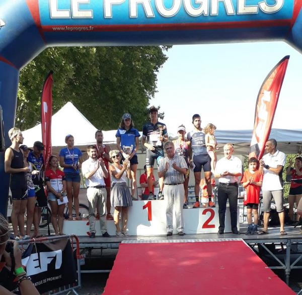 Xefi Triathlon Dole Podium.jpg