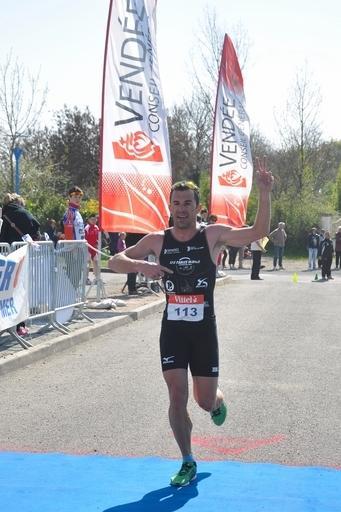 Jimmy Brosse - Champion de Vendée 2012 en duathlon (Vairé).jpg