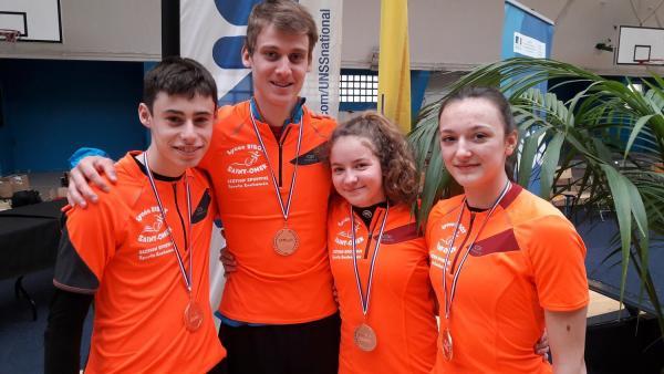 les lycéens de Ribot médaillés de bronze.jpg