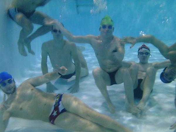Go à la piscine !!
