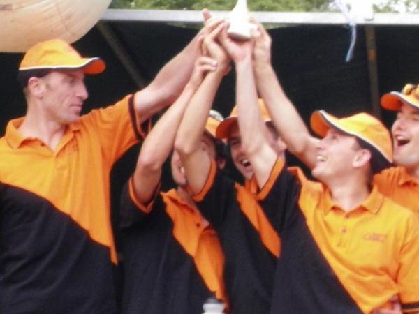 S/Equipe de St Calais 2009 - 2ème place pour le TCN avec JP NOGUE, V. BELBEOCH, E. CLAVERY, P. MAURER, S. CHUNIAUD