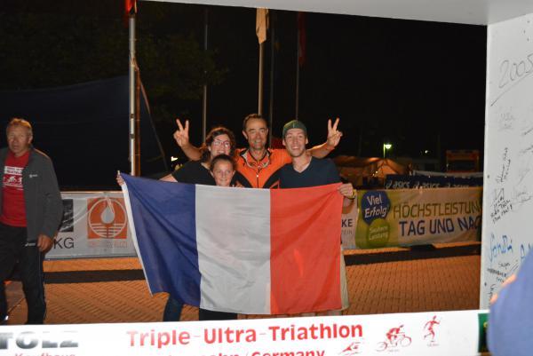 Damien BOIX et sa team family !!