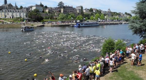Triathlon Chateau Gontier.jpg