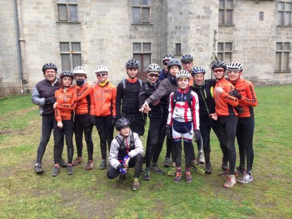 nos jeunes athlètes decouvrent le chateau de la Tour à Orvault