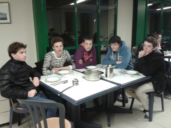 la table des guerriers .... mort de faim
