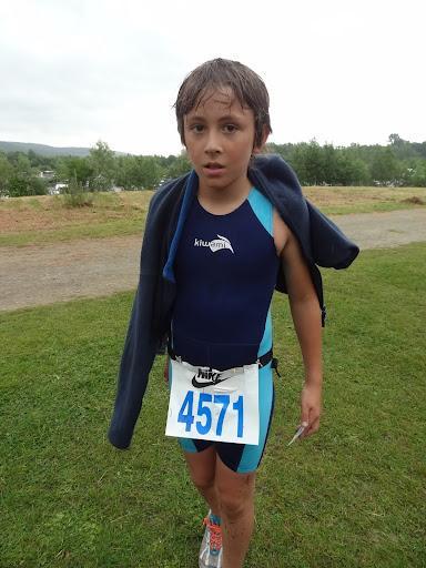 1- Eliot trempée et Triathlon ramplacé par Duatlon base Verneuil 24juin2012.JPG