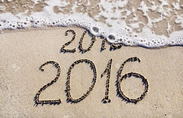 24917287-Happy-New-Year-2016-replace-2015-concept-on-the-sea-beach-Stock-Photo.jpg