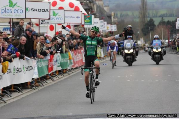 Victoire d'Anthony Charteau (Team Europcar) sur l'étape 4 du Tour de Normandie