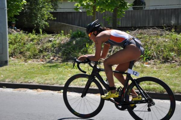 Victoire de Fabienne Saint Louis au triathlon de Bordeaux