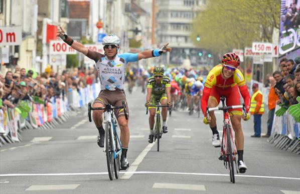 Samuel Dumoulin vainqueur de La Route Tourangelle 2016