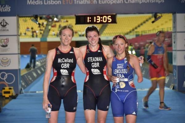 Glwadys Lemoussu (à droite) obtient le bronze à Lisbonne